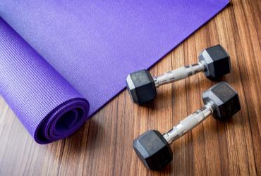 עושים שרירים לקורונה: מתאמנים מהבית עם יד2