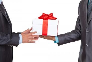 מתנות ממותגות לחגים – איך מגוונים?