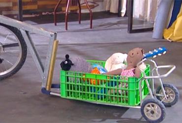 איך יוצרים עגלה נגררת לאופני ילדים?