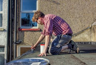 עבודות איטום בקיץ: זה הזמן להכין את הגג שלכם לקראת החורף